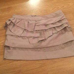 Forever 21 Small ruffle beige skirt